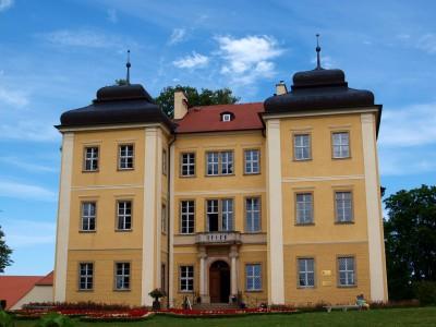 pałac ifolwark włomnicy